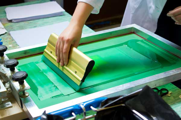 hand-pulled-screen-printing